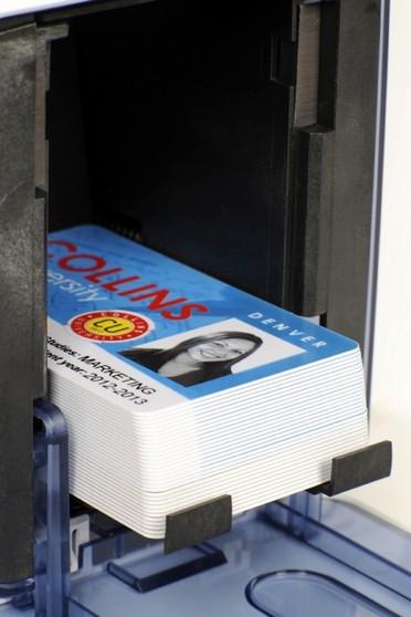 Empresa Que Tem Impressora de Cartão Brás - Impressora de Cartão Pvc Dtc1250e